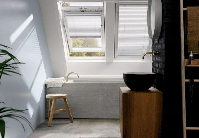 okno w łazience na poddaszu