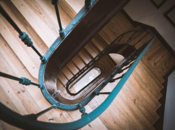 drewno na schody