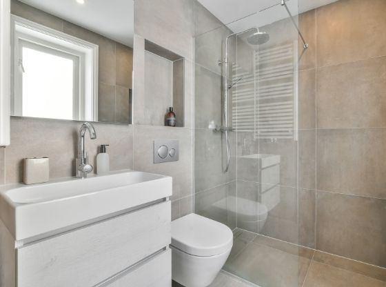 Mała łazienka - meble, dodatki i armatura
